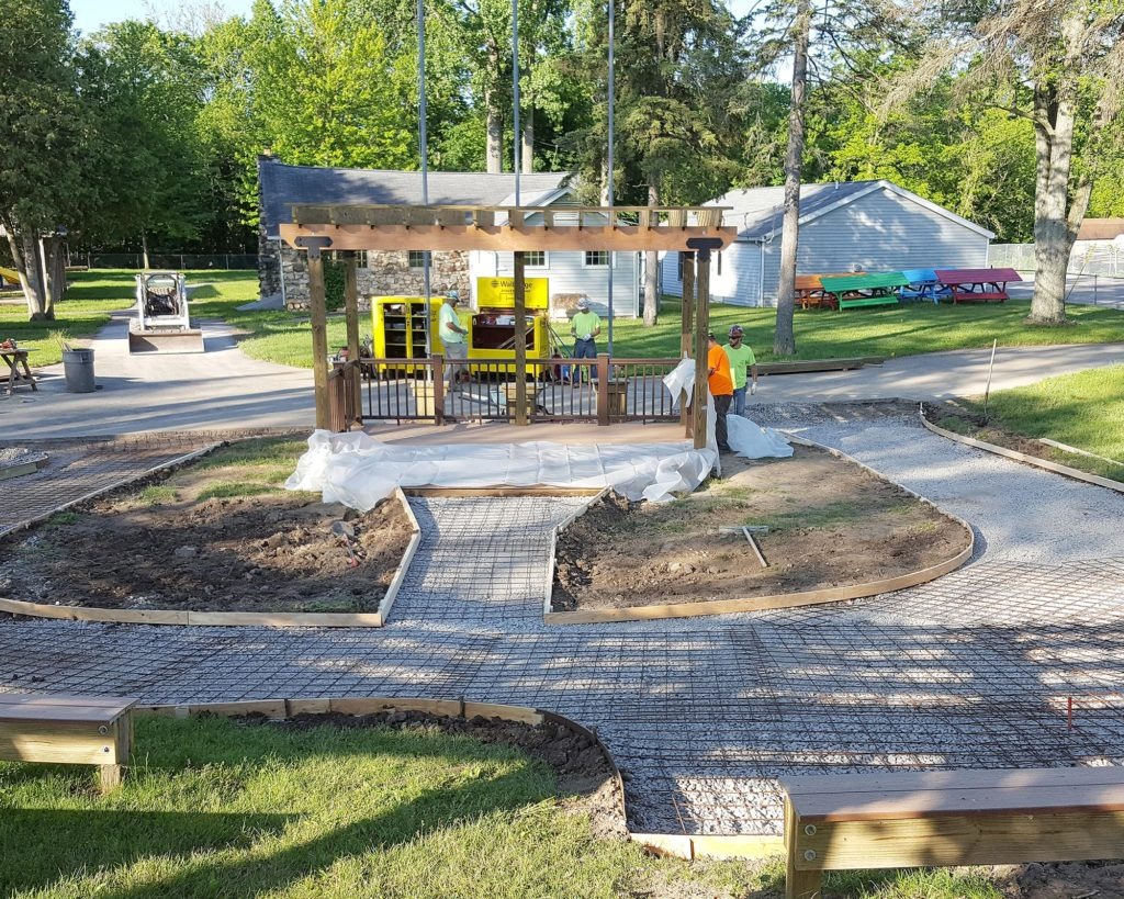 Kids in Monroe, Mich. have a new play area to enjoy thanks to the volunteer efforts of several construction companies, including Walbridge.